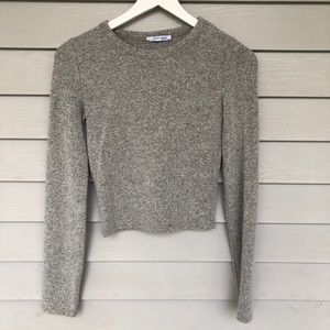 Zara gray cropped long sleeve sweater size small